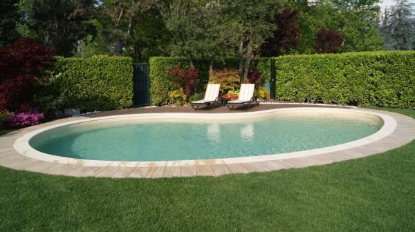 Piscine in giardino progetto giardino per privato con - Piscine per giardino ...
